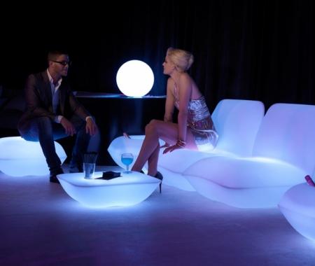 Svítící nábytek