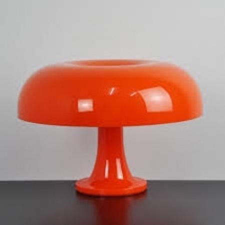 Artemide – stolní svítidlo Nessino oranžová